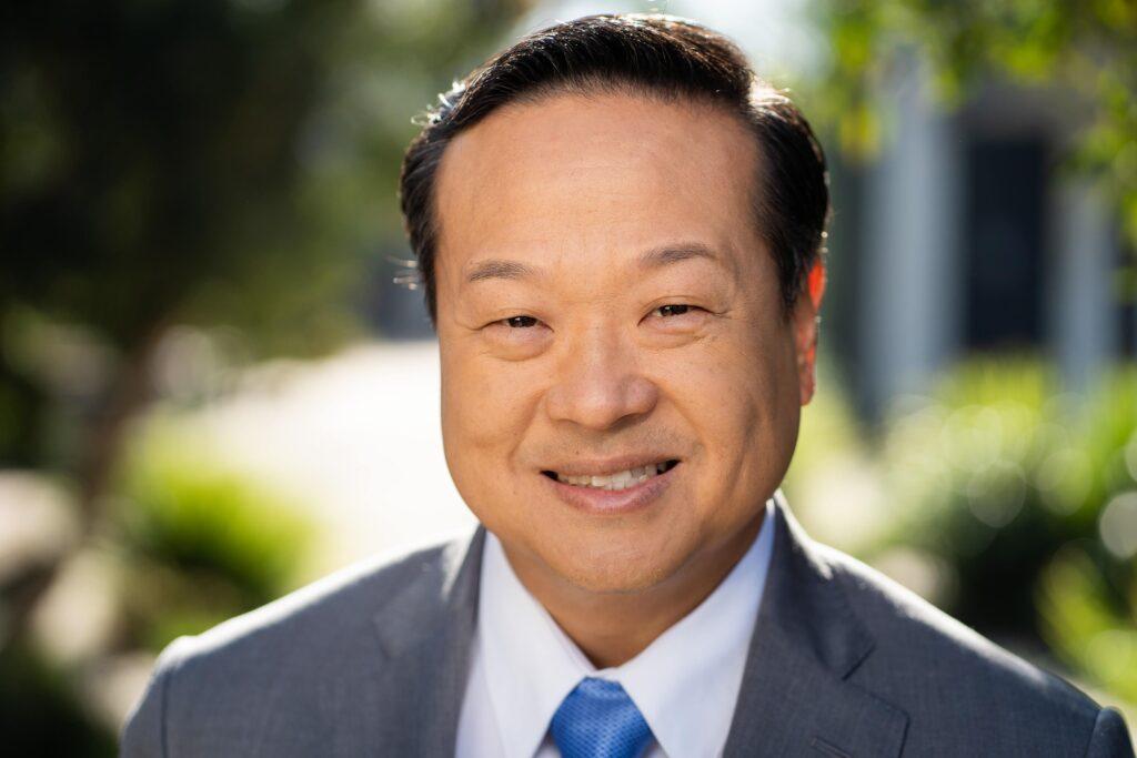 A headshot of Edward Kim